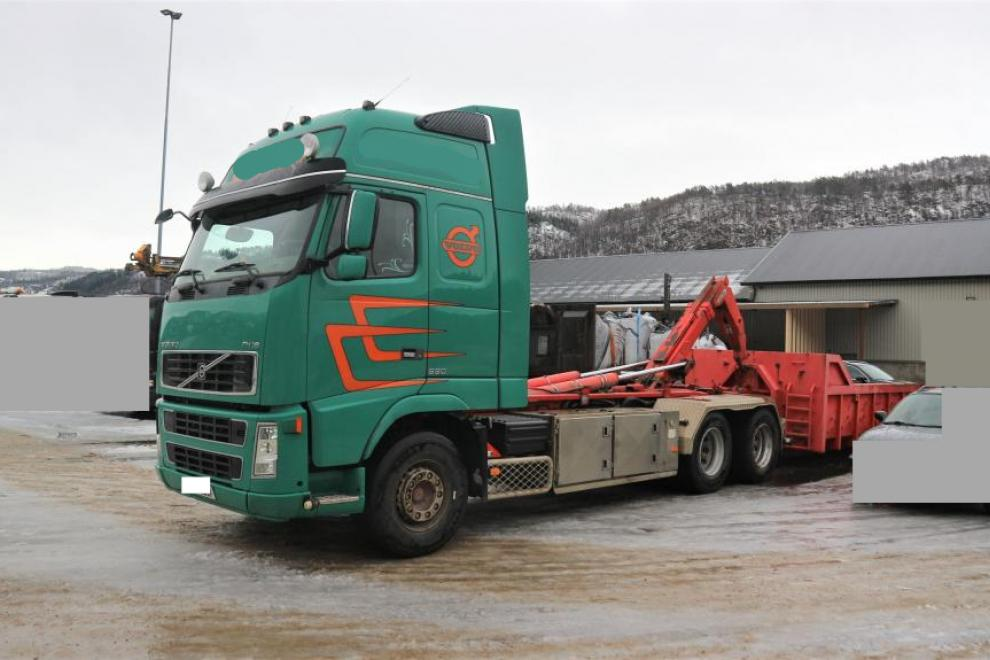 Volvo FH16 550 6X4 chassis
